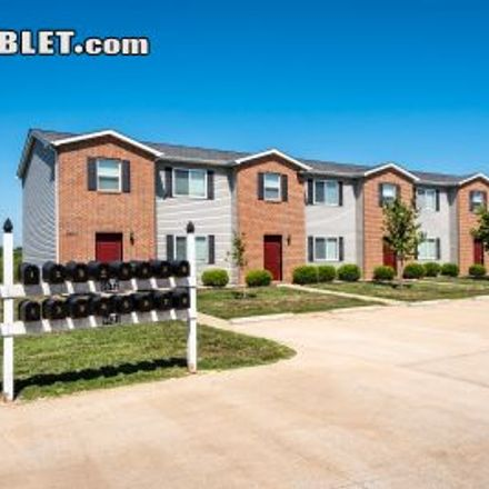 Rent this 2 bed townhouse on Best Western in Hayden Drive, Mascoutah