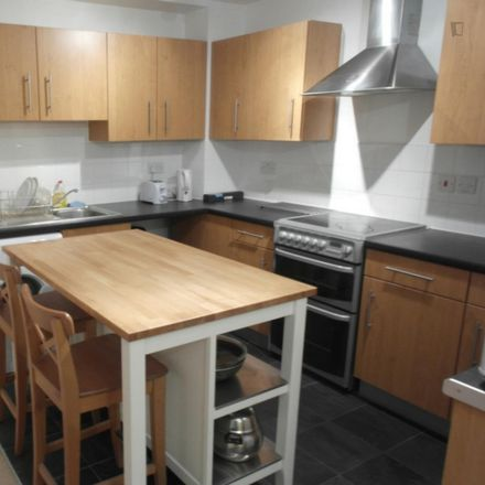 Rent this 4 bed room on Ability Place in 37 Millharbour, London E14 9JU