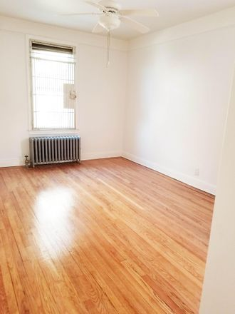 Rent this 4 bed apartment on 33-46 28th St in Long Island City, NY 11106