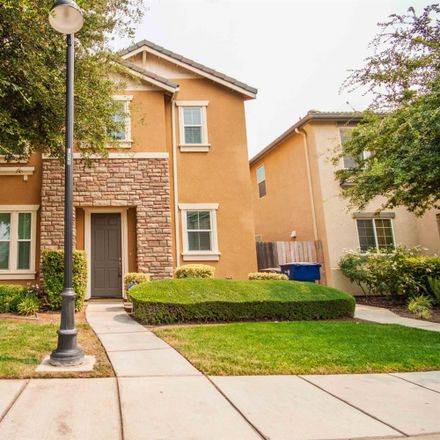Rent this 4 bed house on Fresno