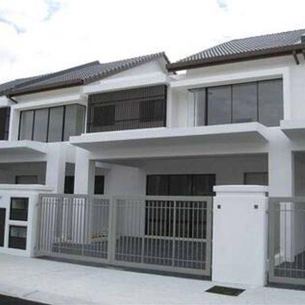 Rent this 4 bed apartment on A in Jalan Pahlawan 4A/3, Bandar Mahkota Cheras