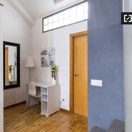 Rent this 2 bed apartment on Parquímetro in Calle de Santa Cruz de Marcenado, 28001 Madrid