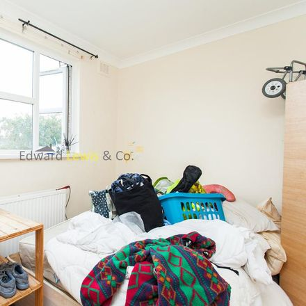 Rent this 3 bed apartment on Brownswood Guest House in 113 Queen's Drive, London N4 2HL
