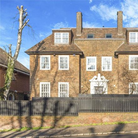 Rent this 5 bed house on 95 Platt's Lane in London NW3 7NH, United Kingdom