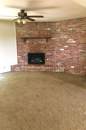 Rent this 3 bed house on Hwy Nn in Joplin, MO