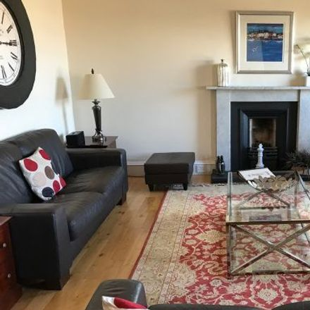 Rent this 5 bed apartment on 6 Crown Circus in Glasgow G12 9HD, United Kingdom