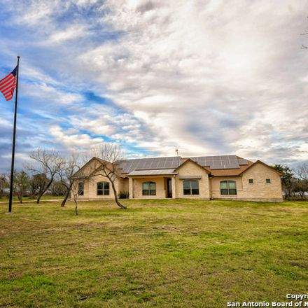 Rent this 5 bed house on Ave K in Hondo, TX