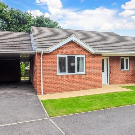 Rent this 2 bed house on Gawthorpe Conservative Club in High Street, Gawthorpe