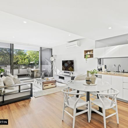 Rent this 2 bed apartment on 108/850 Bourke Street