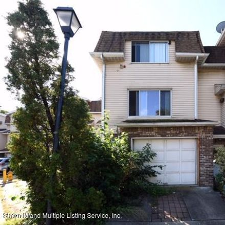 Rent this 2 bed townhouse on 24 Zachary Court in New York, NY 10310