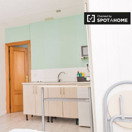 Rent this 0 bed apartment on ChipToChip in Carrer del Pintor Salvador Abril, 18