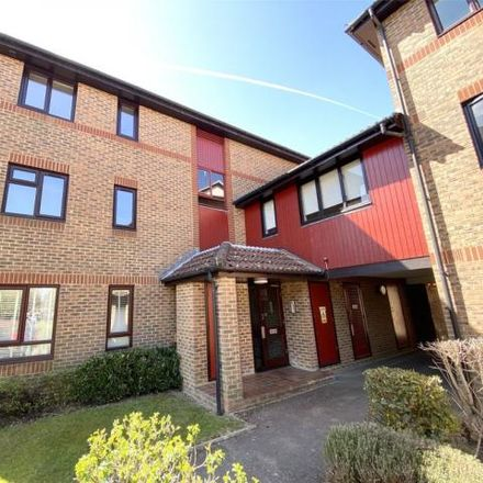 Rent this 2 bed apartment on Oakside Court in Horley RH6 9XR, United Kingdom