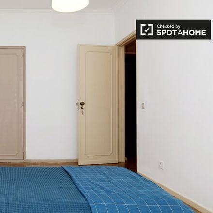 Rent this 3 bed apartment on Farmácia Barros Gouveia in Rua do Vale Formoso de Cima 79-B, 1950-266 MARVILA Lisbon