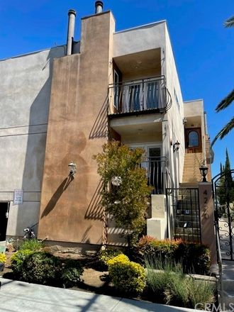 Rent this 1 bed condo on Fair Ave in North Hollywood, CA