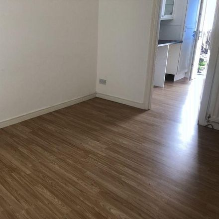 Rent this 2 bed house on Blackwell Avenue in Newcastle upon Tyne NE6 4DR, United Kingdom