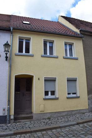 Rent this 4 bed townhouse on Grunagasse 3 in 01877 Bischofswerda, Germany