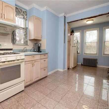 Rent this 6 bed house on 2738 Gifford Avenue in New York, NY 10465
