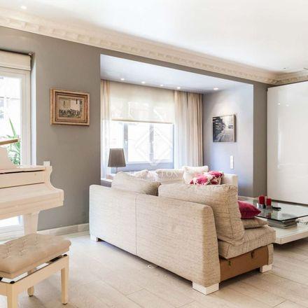 Rent this 5 bed apartment on Hernán Cortés - Ciril Amorós in Carrer d'Hernán Cortés, 46004 Valencia