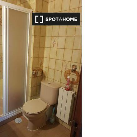 Rent this 3 bed apartment on Calle de José de Cadalso in 28001 Madrid, Spain