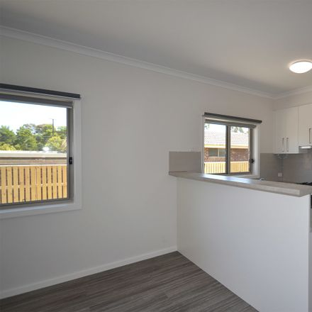 Rent this 1 bed house on 2 Reska Place