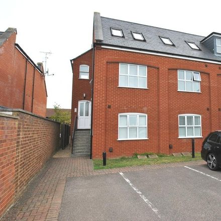 Rent this 2 bed apartment on Church Street in North Hertfordshire SG7 5AF, United Kingdom