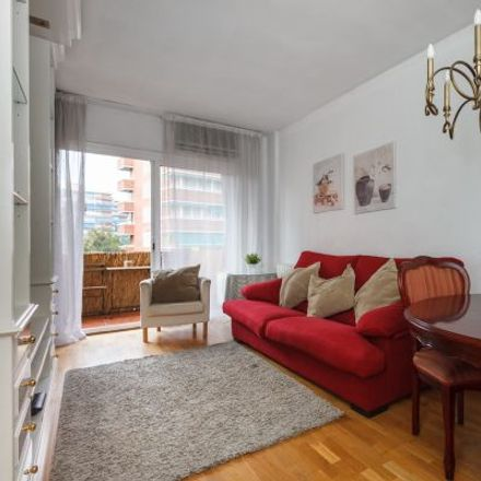 Rent this 3 bed apartment on Carrer de Balmes in 142, 146