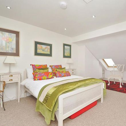 Rent this 1 bed apartment on Saint Edward's School Golf Course in Blenheim Drive, Oxford OX2 8DH
