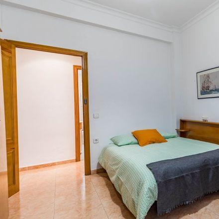 Rent this 5 bed apartment on Avinguda de Blasco Ibáñez in 80, 46021 Valencia