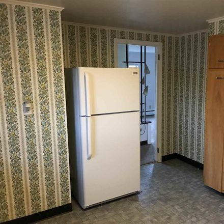 Rent this 1 bed townhouse on Maple Ave in Saratoga Springs, NY