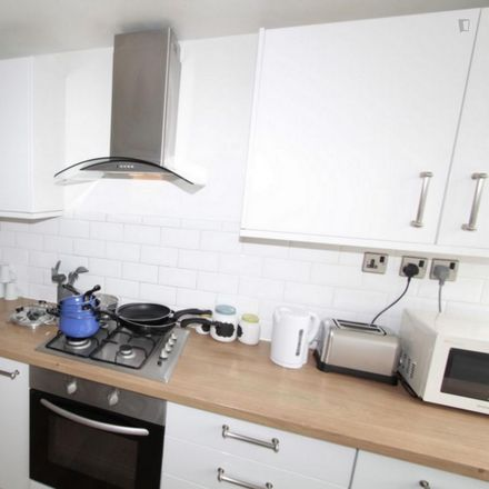 Rent this 3 bed room on Lady Mico's Almshouses in Aylward Street, London E1 0QW