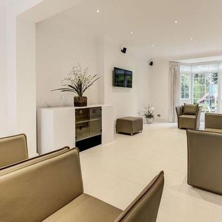 Rent this 5 bed house on Holne Chase in London N2 0QL, United Kingdom