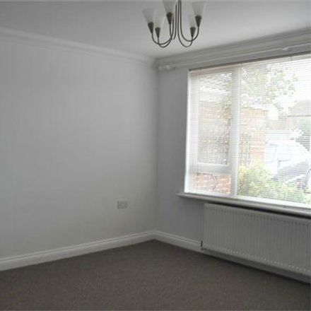 Rent this 4 bed house on Pump Lane in Chelmsford CM1 6TA, United Kingdom