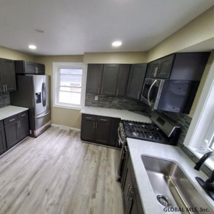 Rent this 3 bed house on 6 Ball Pl in Watervliet, NY