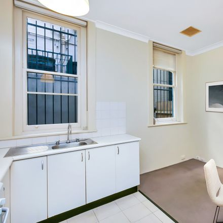 Rent this 1 bed apartment on 3/235 Darlinghurst Road