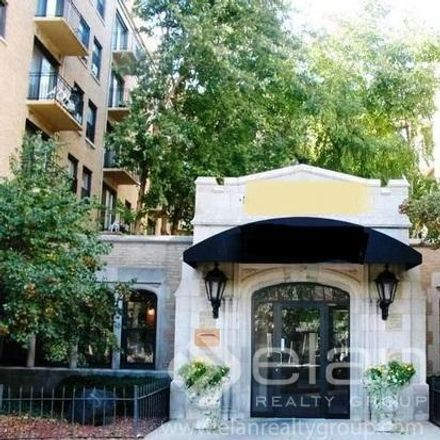 Rent this 2 bed apartment on 4242 North Sheridan Road in Chicago, IL 60613