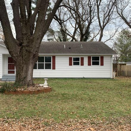 Rent this 3 bed house on 1420 North Dawn Avenue in Springfield, MO 65803