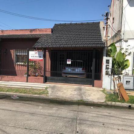 Rent this 3 bed apartment on Pasaje Pallich 1443 in Partido de Lomas de Zamora, 1828 Banfield