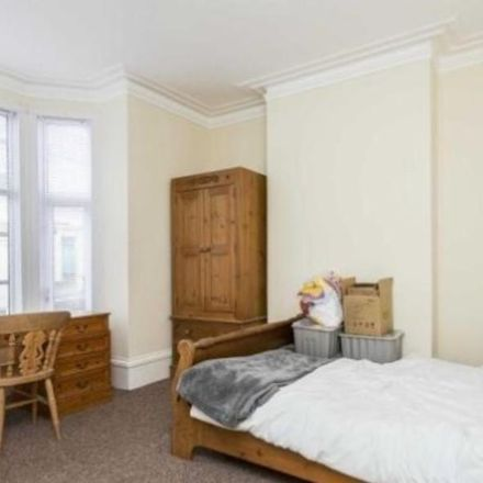 Rent this 5 bed house on Sheffield Road in Portsmouth PO1 5FB, United Kingdom