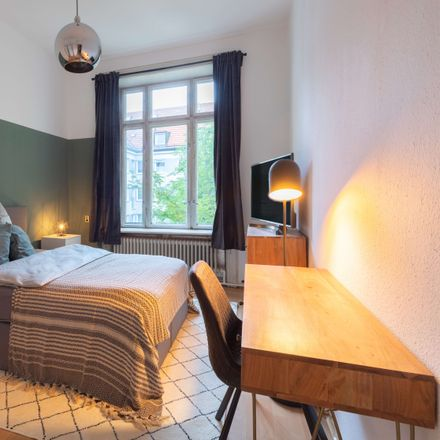 Rent this 1 bed apartment on Wittelsbacherstraße 5 in 80469 Munich, Germany