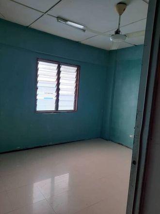 Rent this 5 bed apartment on Block B in Jalan 14/115C, Bukit Jalil