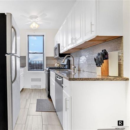 Rent this 2 bed condo on 10 East 43rd Street in New York, NY 11203