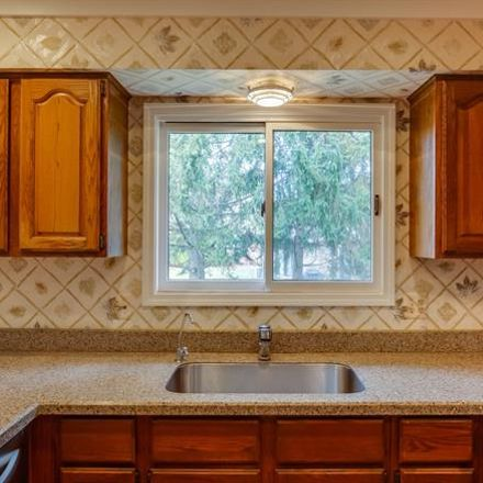 Rent this 4 bed house on Plumbrook Ct in Farmington, MI