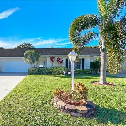 Rent this 2 bed townhouse on 1310 Medinah Dr in Fort Myers, FL