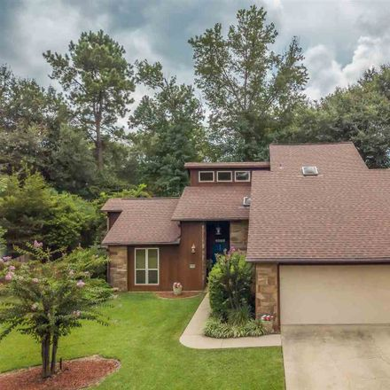 Rent this 3 bed house on 1204 Canterbury Blvd in Longview, TX