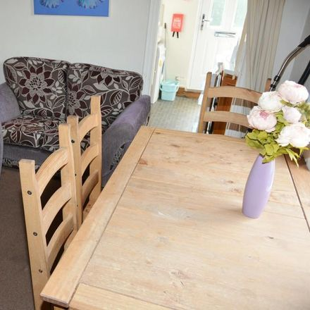 Rent this 3 bed house on St Vincent's Catholic Church in Fitzgerald Road, Sheffield S10 1GX
