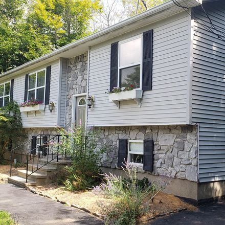Rent this 3 bed house on Water Front Dr in Greentown, PA