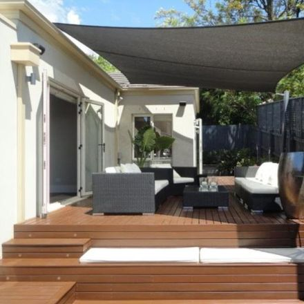 Rent this 3 bed house on Lesley Street