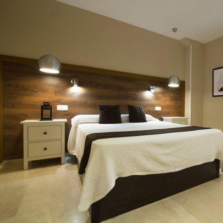 Rent this 1 bed apartment on Viena Capellanes in Calle de Bordadores, 28013 Madrid