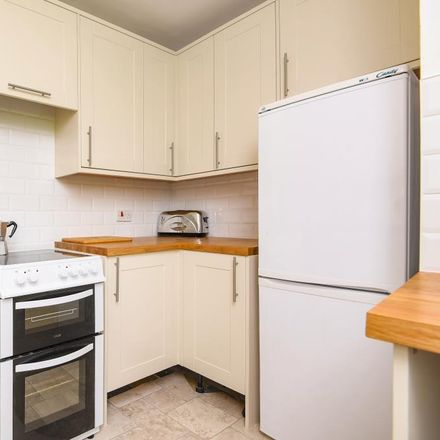 Rent this 2 bed apartment on London Road in Newbury RG14 5TF, United Kingdom