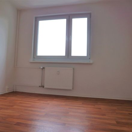 Rent this 2 bed apartment on Friedrichstraße 25 in 06844 Dessau-Roßlau, Germany